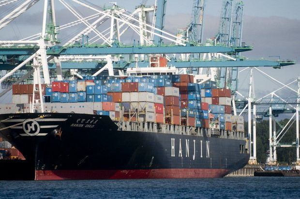 (Benjanmin Brink) A Hanjin Shipping Co. vessel berths at the Port of Portland's Terminal 6.