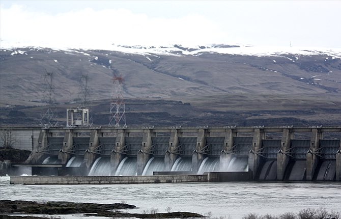 The Dalles Dam was completed in 1957, and before the water level of the Columbia River rose behind the new dam, many people had to be relocated. Federal funding is being made available to help some of the displaced tribal members who were not provided with sufficient assistance at the time. (Photo Jesse Burkhardt)